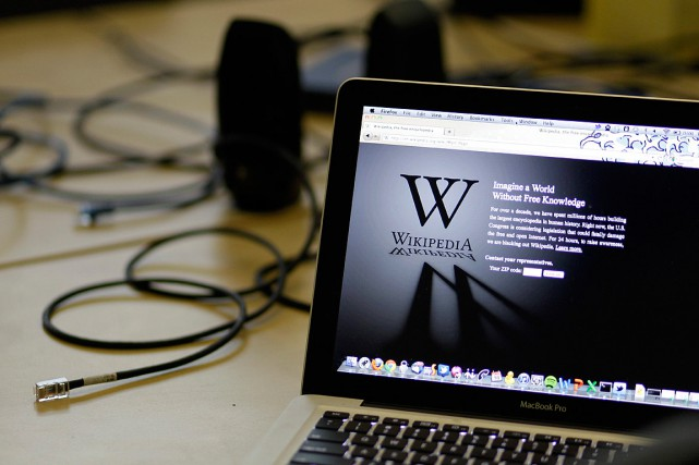 Wikipédia, l'un des sites les plus consultés dans... (PHOTO ERIC RISBERG, ARCHIVES ASSOCIATED PRESS)