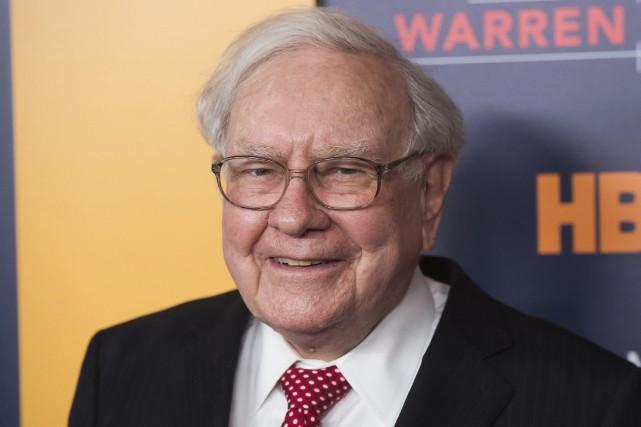 Le milliardaire Warren Buffett... (Photo Charles Sykes, archives AP)
