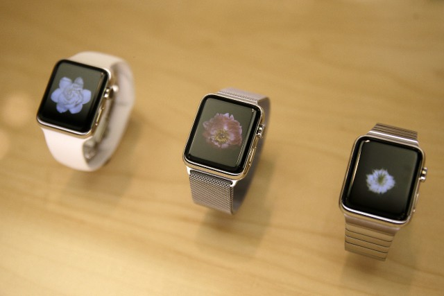 Des Apple Watch Series 2... (Photo Kiichiro Sato, archives AP)