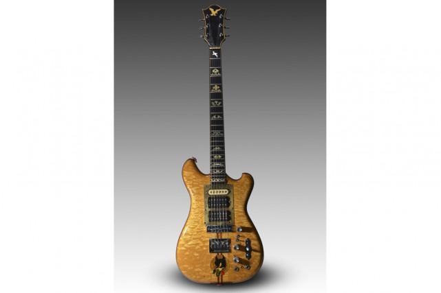 Une guitare fabriquée spécifiquement pour Jerry Garcia sera vendue aux enchères... (PHOTO AP)