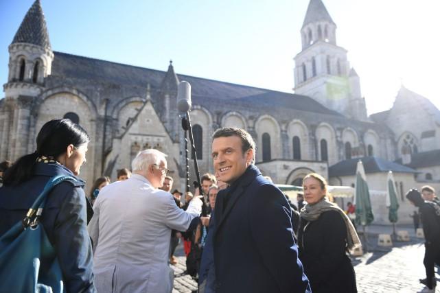 Le candidat à la présidentielle française Emmanuel Macron... (PHOTO Eric FEFERBERG, AFP)