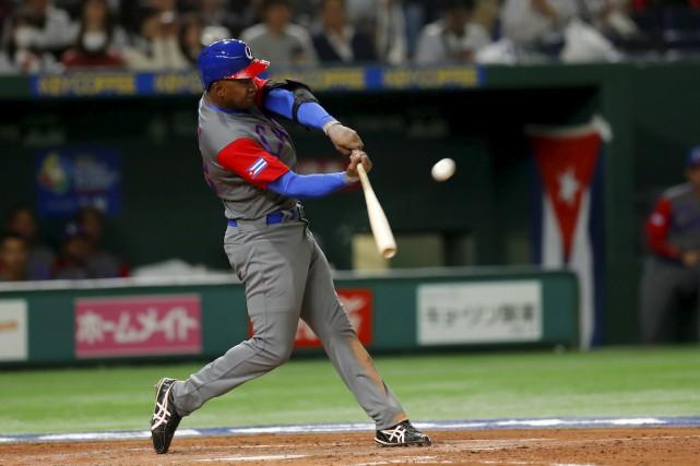 Le joueur d'inter Alexander Ayala devrait devenir un... (MLB Photos)