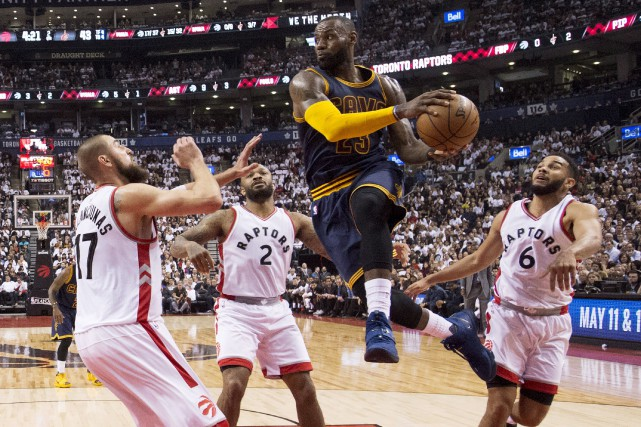 LeBron James (35 points) et ses Cavaliers ont... (La Presse canadienne, Frank Gunn)