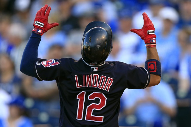 Francisco Lindor a son retour au marbre, en... (photo Orlin Wagner, AP)