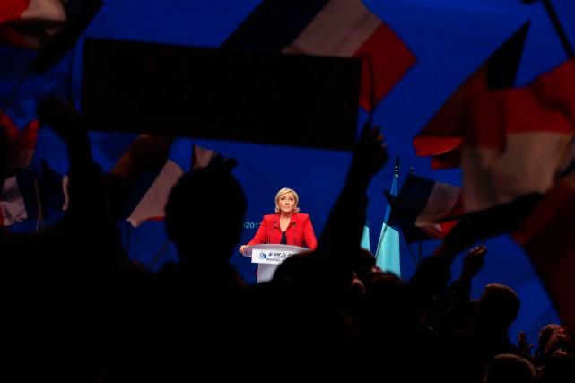 Malgré ses demi-vérités, malgré son agressivité, l'extrémiste Marine... (Photo joel SAGET, AFP)
