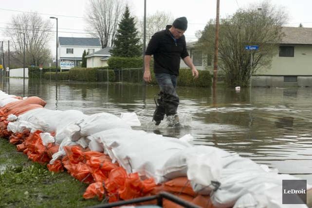 Inondations à Gatineau.... (MARTIN ROY, LE DROIT)