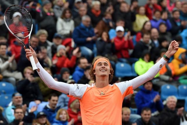 Alexander Zverev l'a emporté en 1heure, 12 minutes... (Photo Christof STACHE, AFP)
