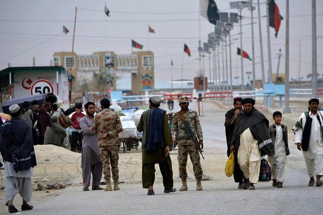 Les militaires pakistanais ont affirmé dimanche avoir tué plus de 50soldats... (PHOTO Matiullah Achakzai, ARCHIVES ASSOCIATED PRESS)