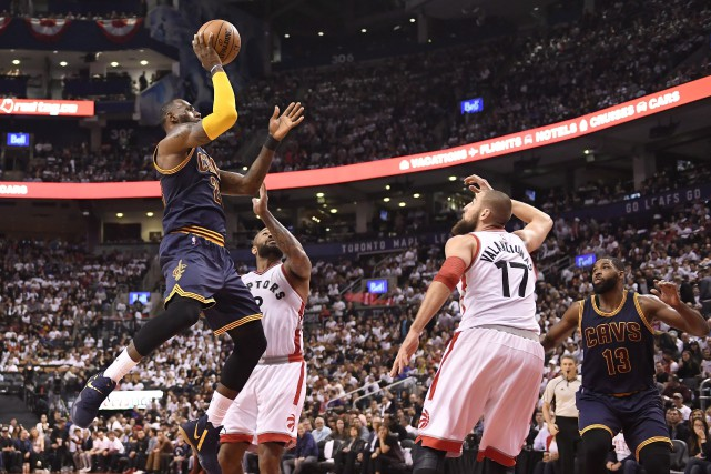 LeBron James a terminé la partie avec 35... (PHOTO PC)