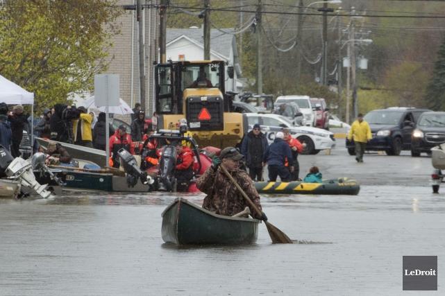 Inondationsecteur du Boulevard Hurtubise à Gatineau... (Martin Roy, Le Droit)