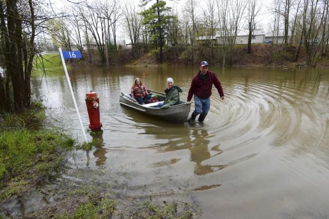 Des résidants ont accepté de quitter leur maison,... (La Presse canadienne)