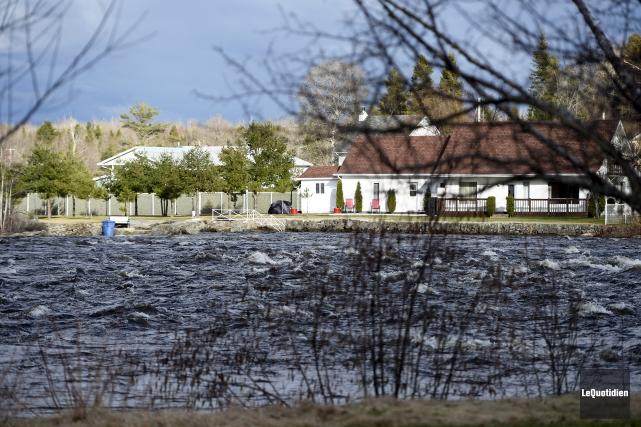 Le niveaux de plusieurs cours d'eau de la... (Photo Le Quotidien, Jeannot Lévesque)