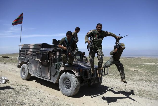 «Les combats continuent dans le sud du Nangarhar... (AP)
