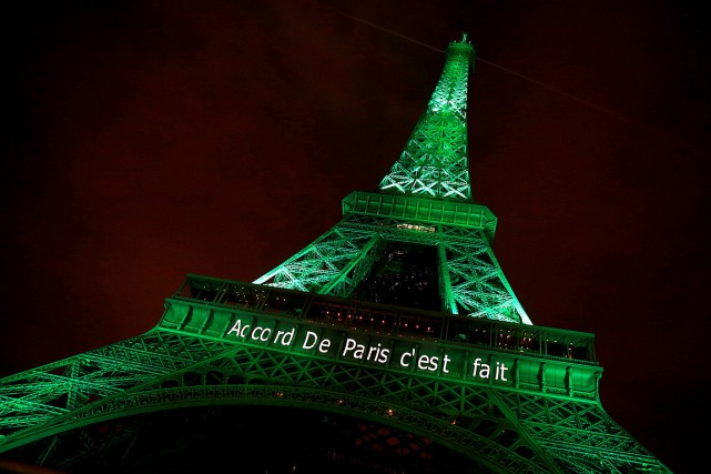 Le message « Accord De Paris c'est fait » a... (Photo Jacky Naegelen, archives REUTERS)
