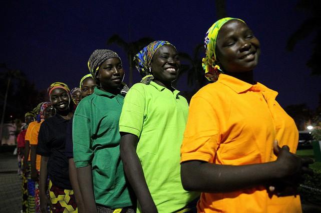 La liste des82écolières de Chibok relâchées a été... (PHOTO AP/FOURNIE PAR LE GOUVERNEMENT DU NIGERIA)