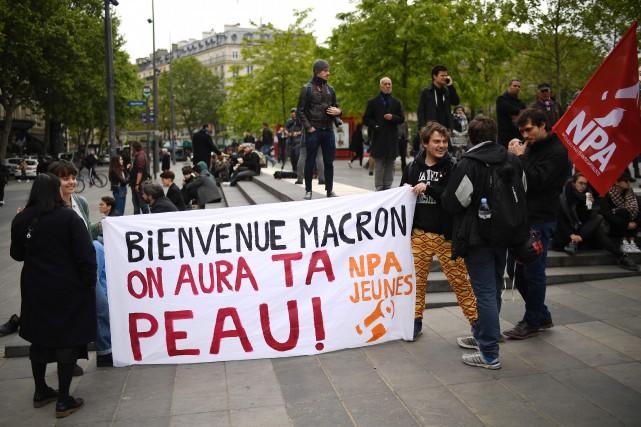 Estimés à 1600 selon la police, et entre... (Photo Lionel BONAVENTURE, AFP)