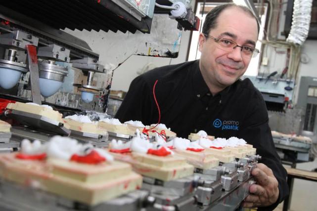 Serge Kirouac est directeur général de Promo Plastik,... (Photo Jocelyn Bernier,Le Soleil)