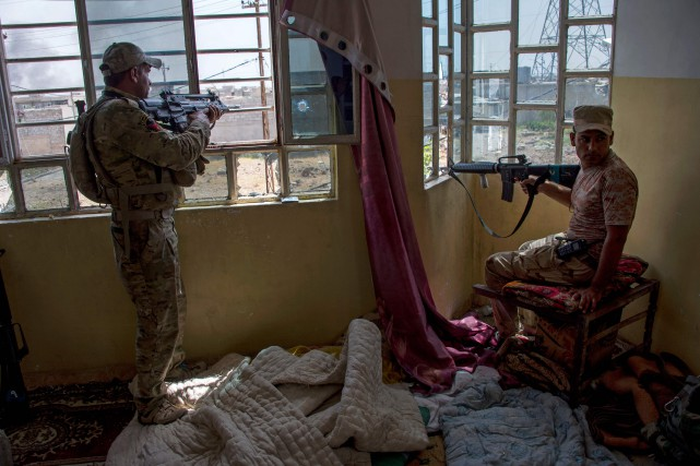 Des soldats de l'armée irakiennes.... (Photo Fadel Senna, Agence France-Presse)
