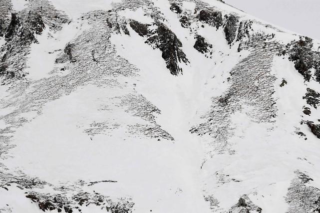 Un couple de skieurs de randonnée et son guide ont péri dans une avalanche... (Photo JEAN-PIERRE CLATOT, archives Agence France-Presse)