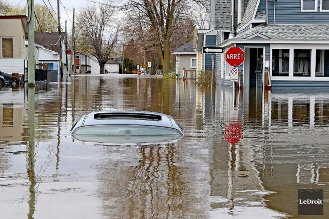 La ville de Gatineau est envahie par l'eau.... (PATRICK WOODBURY, LeDroit)