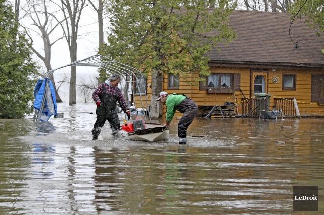200 personnes demeurent évacuées à Pontiac.... (Patrick Woodbury, Archives Le Droit)