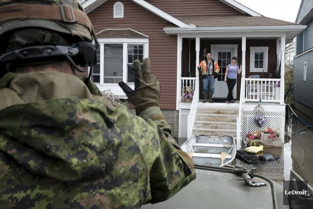 La présence «rassurante» des Forces armées canadiennes n'est... (Patrick Woodbury, Archives Le Droit)