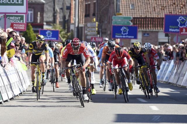 Le Belge Jens Debusschere a remporté au sprint... (Photo AFP)