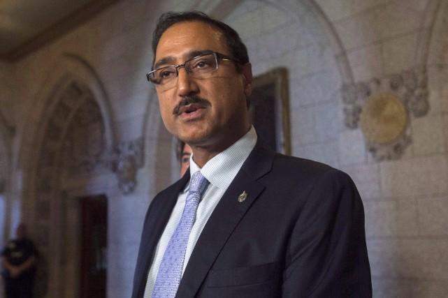 Le ministre fédéral de l'Infrastructure et des CollectivitésAmarjeet... (PHOTO ADRIAN WYLD, ARCHIVES LA PRESSE CANADIENNE)