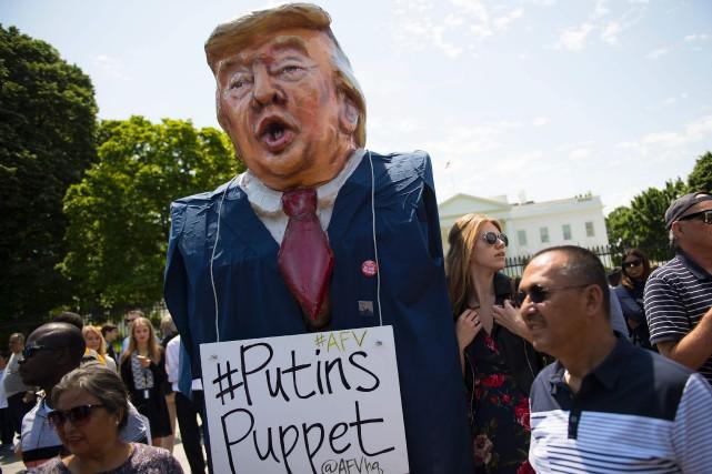 Une manifestation demandant au Congrès d'enquêter sur les... (PHOTO AFP)