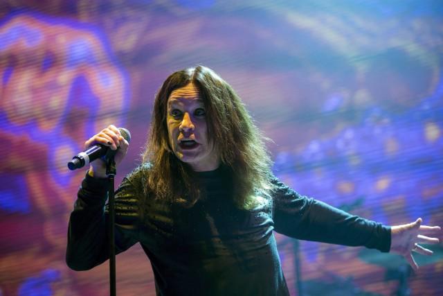 Ozzy Osbourne lors d'un concert à Budapest en... (ARCHIVES AP)