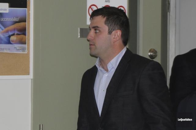 L'agent Maxime Gobeil de la Sûreté du Québec... (Photo Le Quotidien, Isabelle Tremblay)