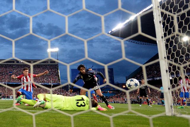 Francisco Alarcon a marqué le but qui a... (AFP, Gérard Julien)