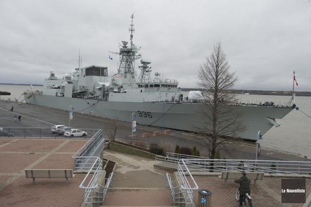 Cent cinquante nouveaux soldats sont arrivées par bateau,... (Photo: Stéphane Lessard, Le Nouvelliste)