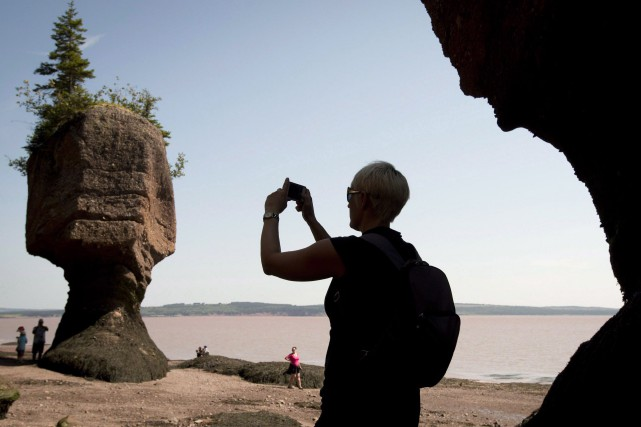 Les Hopewell Rocks.... (Photo Jonathan Hayward, archives La Presse Canadienne)