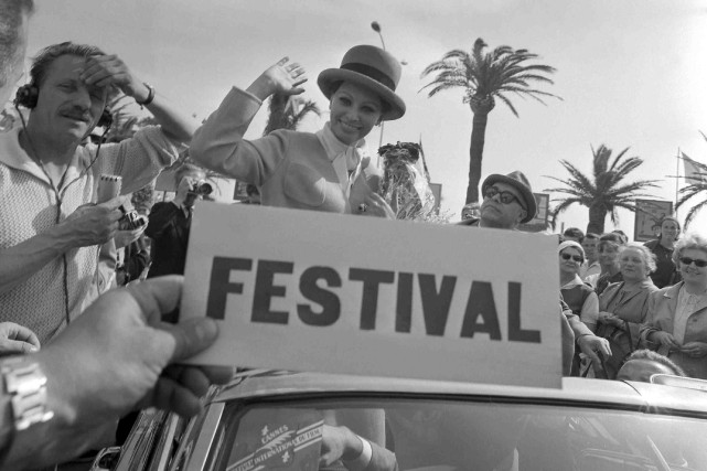 Sophia Loren sur la Croisette en 1964... (Archives AFP)