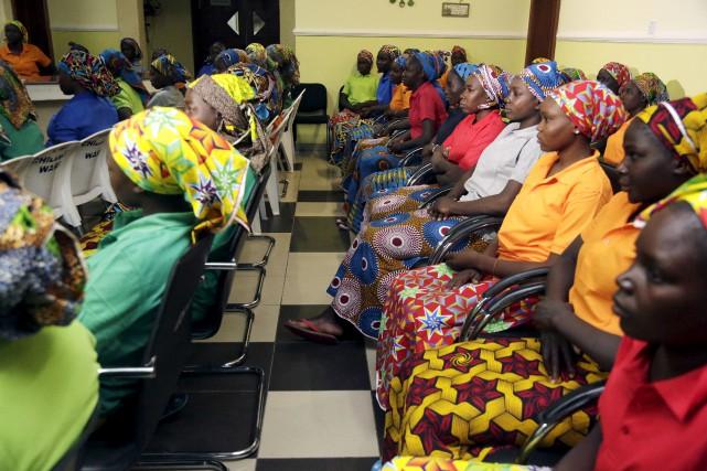 Quatre-vingt-deux lycéennes enlevées par le groupe djihadiste Boko... (Archives AP, Sunday Alamba)
