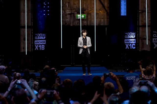 Boyan Slat a mené une conférence à Utrecht... (PHOTO AFP)