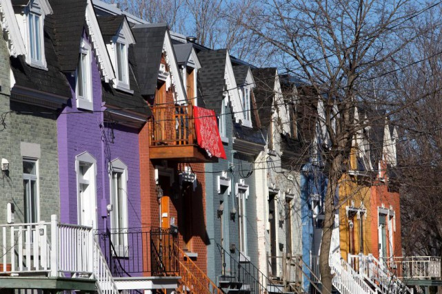 Les maisons colorées du Plateau Mont-Royal... (Photo Robert Skinner, Archives La Presse)