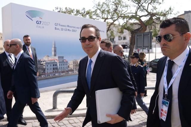 Sur la photo, le secrétaire au Trésor américain... (PHOTO Filippo MONTEFORTE, AFP)