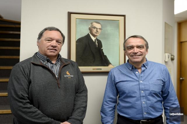 Denis et Gilles Perron, les propriétaires actuels.... (Photo Le Quotidien, Jeannot Lévesque)