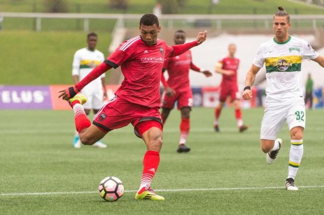 Steevan Dos Santos a inscrit deux buts à... (Courtoisie)