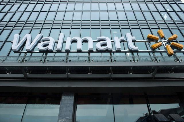 WalMart, numéro un mondial de la distribution, se retrouve de plus en plus sous... (PHOTO AFP)