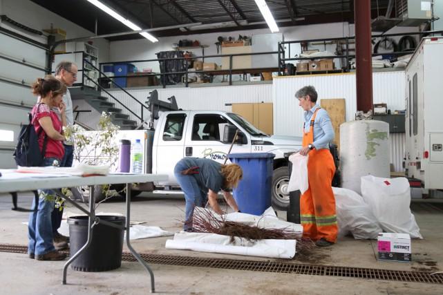 La journée régionale de distribution d'arbustes a une... (Julie Catudal)