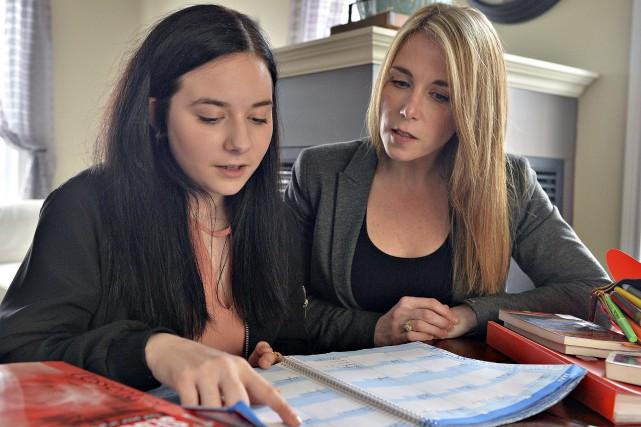 Valérie Fournier (à droite) sait que sa fille,... (Le Soleil, Patrice Laroche)