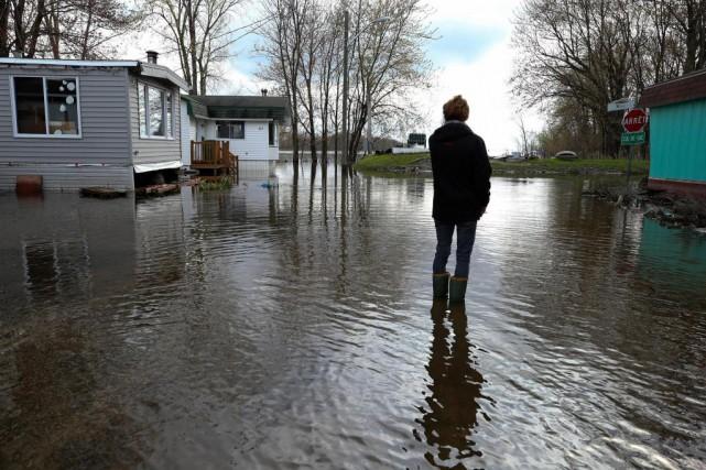 Pour toutes les victimes d'inondations un peu partout... (PHOTO ROBERT SKINNER, LA PRESSE)