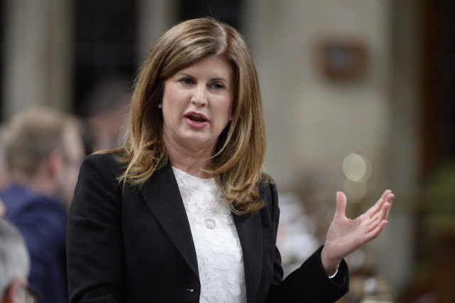 Rona Ambrose... (Archives, La Presse canadienne)
