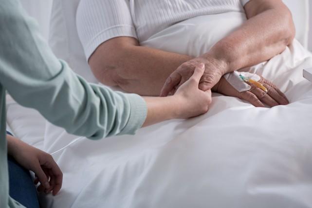 Devant la multiplication de cas de patients cancéreux... (123RF/Katarzyna Bialasiewicz)