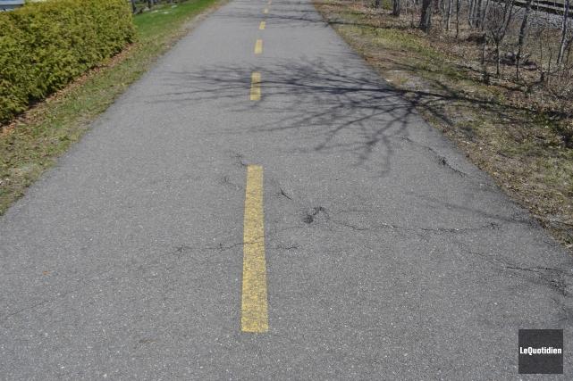 La Véloroutedes Bleuets est accessible aux cyclistes.... (Le Quotidien, Louis Potvin)