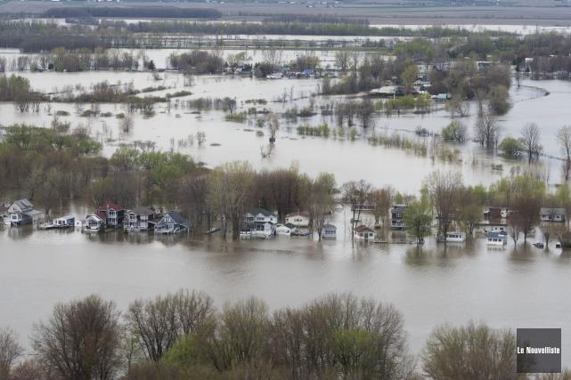 Plusieurs secteurs de la région demeurent inondés, dontla... (Stéphane Lessard, Le Nouvelliste)
