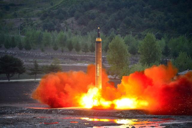 Le dirigeant nord-coréen «Kim Jong-Un intensifie les essais,... (REUTERS)